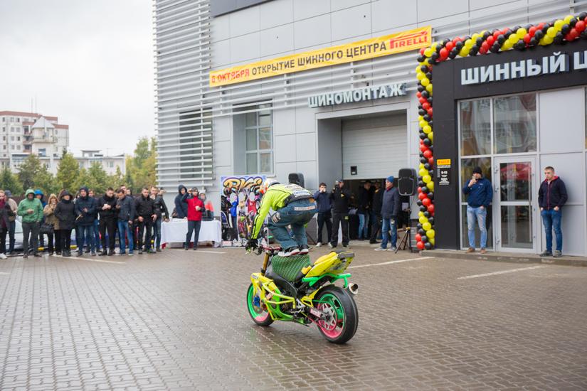 Kolesa-Darom-stuntbiker